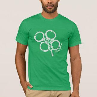 T-shirt chemise de jour de patricks de St menottée par