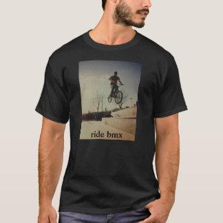 T-shirt chemise gris-foncé de bmx