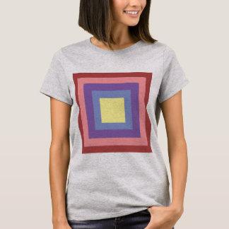 T-shirt chemise grise de base avec une copie rectangulaire