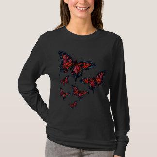 T-shirt Chemise rouge de papillon