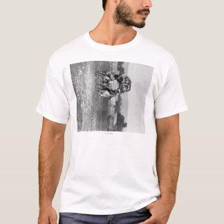 "T-shirt Cheval d'équitation de ""Buffalo Bill"" Cody à côté"