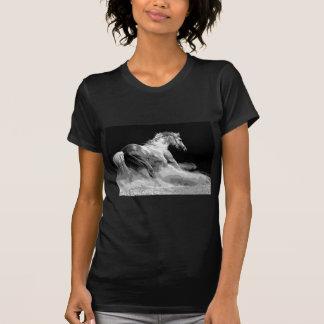 T-shirt Cheval noir et blanc dans l'action