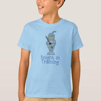 T-shirt Chevalier dans la formation