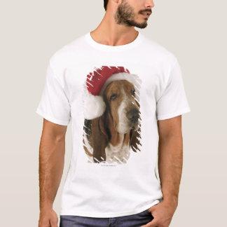 T-shirt Chien de basset dans le casquette de Père Noël