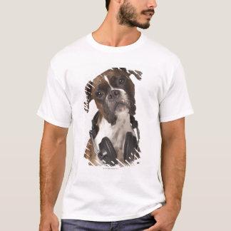 T-shirt chien de boxeur avec des écouteurs