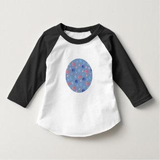 T-shirt chinois de raglan d'enfant en bas âge de