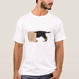 T-shirt Chiot dans la boîte en carton