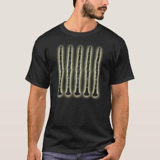 T-shirt Cinq clarinettes avec la lueur étrangère
