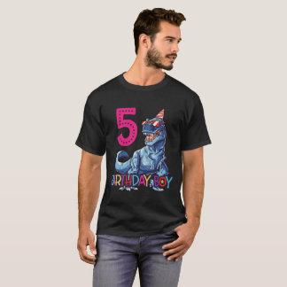 T-shirt Cinquième pièce en t de cadeau de garçon de