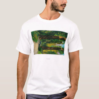 T-shirt Circulant en voiture par la forêt géante, séquoias