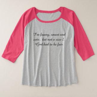 T-shirt cité par fille sinueuse