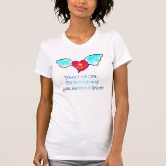T-shirt Coeur à ailes par beauté d'harmonie d'amour