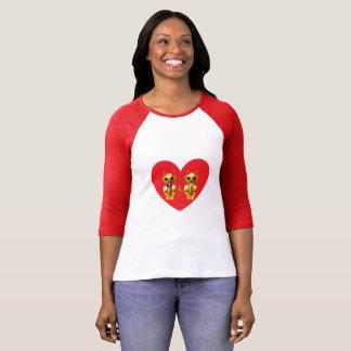 T-shirt Coeur avec les couples mignons de chat