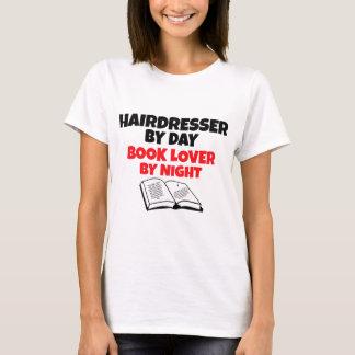 T-shirt Coiffeur par l'amoureux des livres de jour par