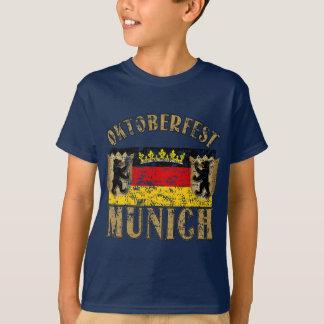 T-shirt Conception de regard affligée par Munich