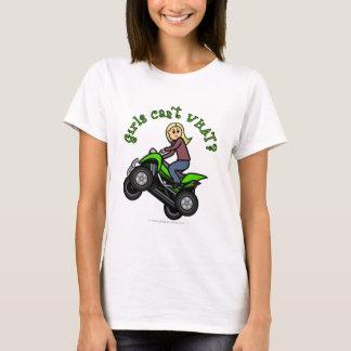 T-shirt Conducteur blond de voiture à quatre roues de la