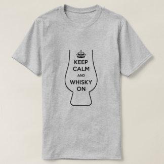 T-shirt Conservez le calme et le whiskey dessus