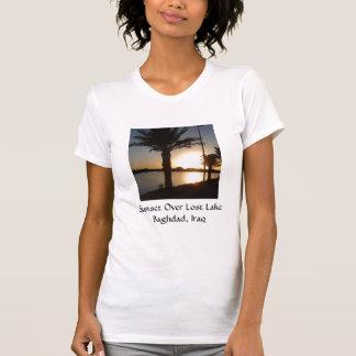 T-shirt Coucher du soleil au-dessus de lac perdu, Bagdad