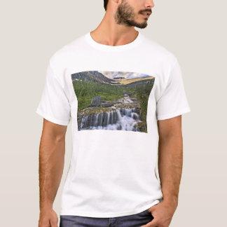 T-shirt Courant de cascade, parc national de glacier,