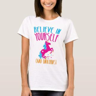T-shirt Croyez en vous-même (et licornes)