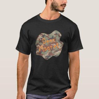 T-shirt d'aimant de cerfs communs