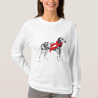 T-shirt Dalmate dans une écharpe rouge