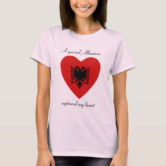 T-shirt d'amoureux de drapeau de l'Albanie