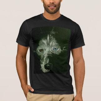 T-shirt dans l'obscurité