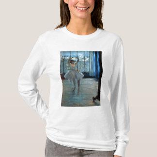T-shirt Danseur d'Edgar Degas | devant une fenêtre