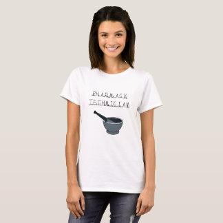T-shirt de blanc de technicien de pharmacie