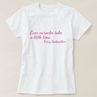 T-shirt de citation de marraine gâteau