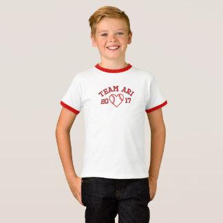 T-shirt de coeur de base-ball de sonnerie de