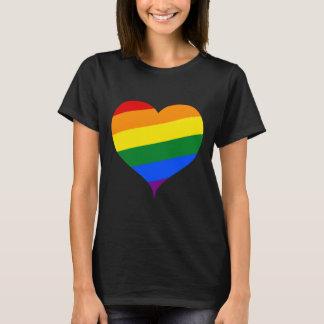T-shirt de coeur de LGBT