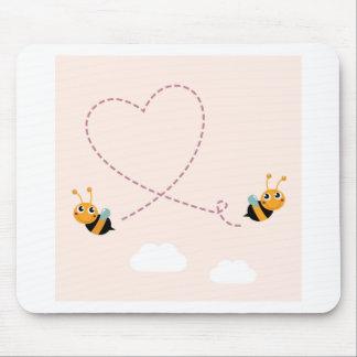 T-shirt de CONCEPTEURS avec des abeilles d'amour Tapis De Souris