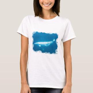 T-shirt de dames de baleines de beluga de natation