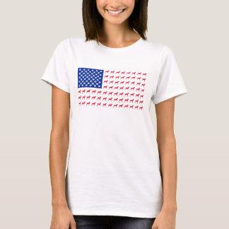 T-shirt de drapeau américain de Vizsla des femmes
