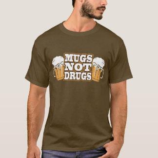 T-shirt de drogues de tasses pas
