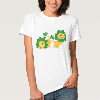 T-shirt de femmes de lions de bande dessinée du