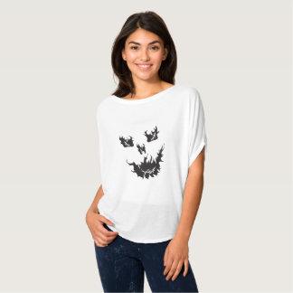 T-shirt de Flowy Bella de crâne de la flamme de la