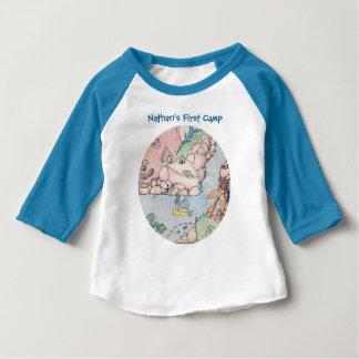 T-shirt de grenouille avec les douilles colorées,