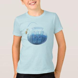 T-shirt de l'eau de cuvette des poissons de