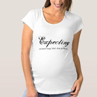 T-Shirt De Maternité Attendre la chemise enceinte de faire-part