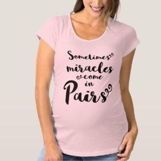 T-shirt de maternité de jumeaux
