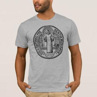 T-shirt de médaille d'exorcisme de St Benoît
