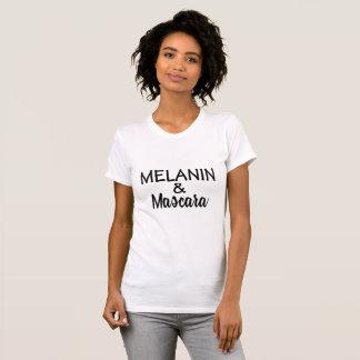 T-shirt de MÉLANINE et de mascara