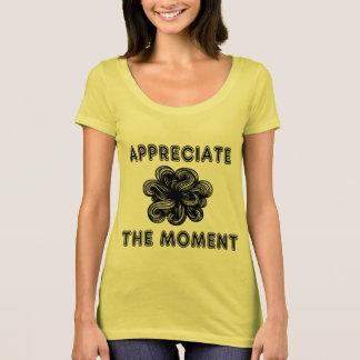 """T-shirt de niveau des femmes """"appréciez moment"""" le"""