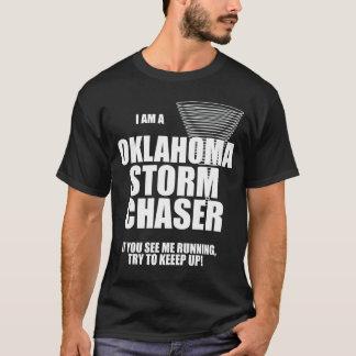 T-shirt de noir de chasseur de tempête de tornade