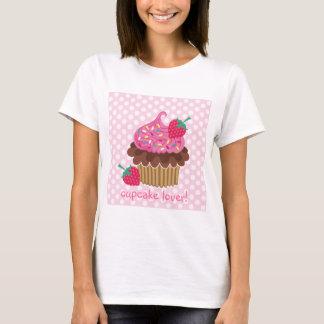 T-shirt de petit gâteau de fraise et de chocolat