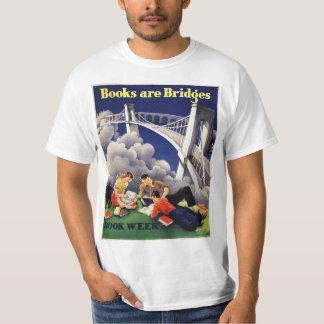 T-shirt de peu du livre de 1946 enfants
