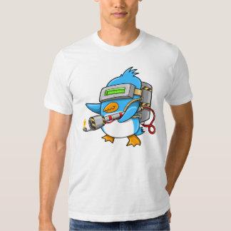 T-shirt de pingouin de guerrier de commando